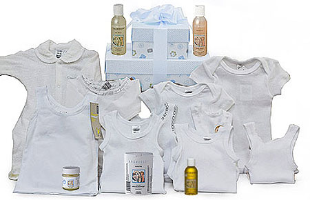 Bonds Aromababy Boy Gift Set in Whites